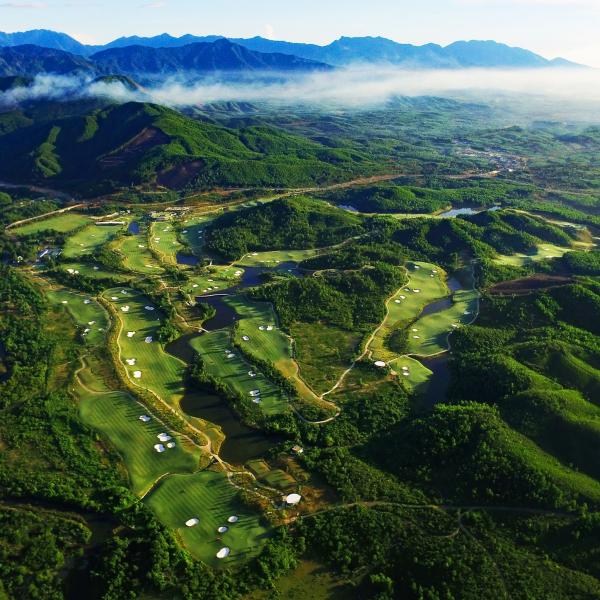 Vietnam Golf & Food Tour