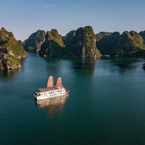 Violet by Heritage Line, Halong Bay