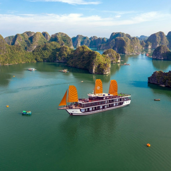 Peony Cruises, Halong Bay & Lan Ha Bay